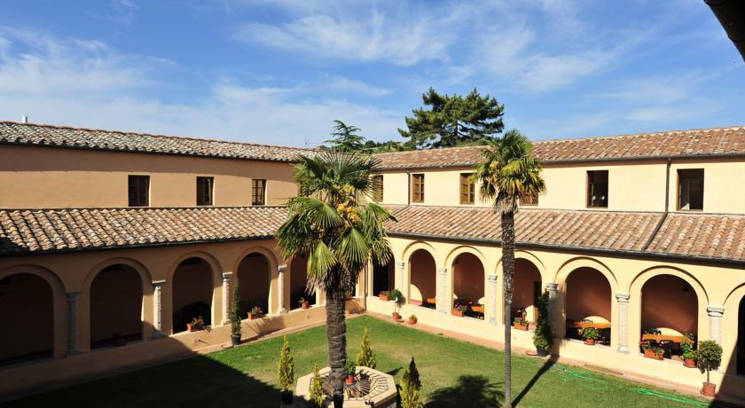 Chiostro Delle Monache Hostel Volterra – Toscana